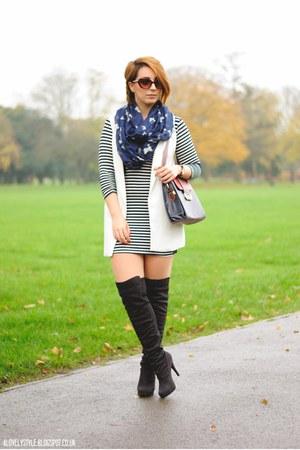 new look boots - clockhouse dress - Primark scarf - OASAP bag - Chicwish vest