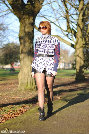 OASAP cardigan - Dunnes boots - OASAP shorts - mark and spencer belt