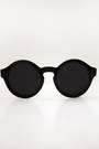 Round-shades-lovemartini-sunglasses