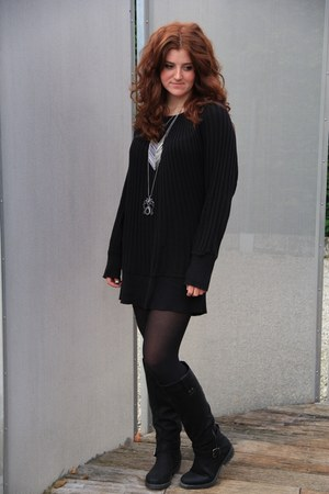 silver DIY necklace - black new look boots - black Mum sweater