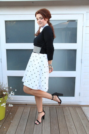 white vintage dress - black Zara heels
