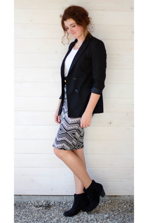 gold SIX earrings - black Bershka blazer - charcoal gray new look skirt
