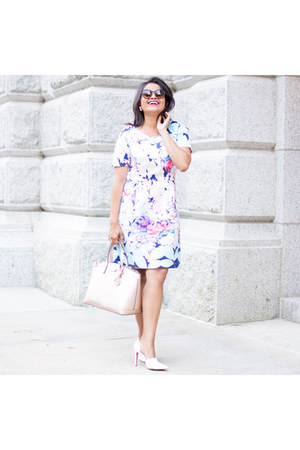 Sheinsidecom dress - rayban sunglasses - Zara pumps