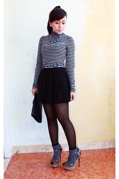 green LAMB heels - black shorts - heather gray sox galery socks