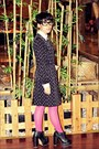 Black-odd-dot-dress-black-juneandjulia-boots-bubble-gum-topshop-tights