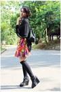 Black-shoes-black-sox-gallery-socks-black-blouse-hot-pink-diy-skirt