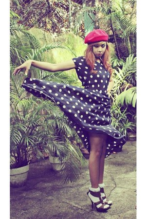 dress - red beret hat hat - lace socks socks - heels