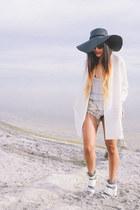 white Nasty Gal blazer - white white leather Shellys London heels