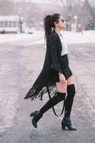 black renegade boots Nasty Gal boots - white acid wash H&M shirt