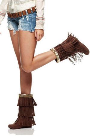 Max Azaria boots