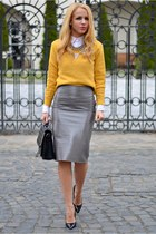 charcoal gray Front Row Shop skirt