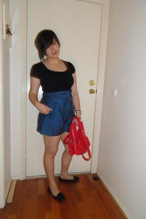 portmans t-shirt - Cue shorts - Nine West flats - Mimco bag