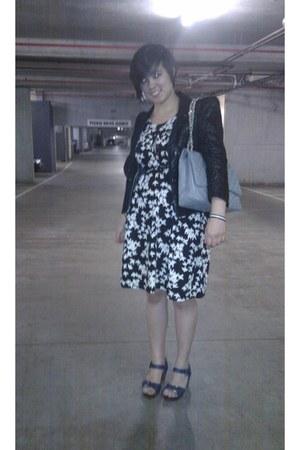 Cue blazer - Cue dress - Sportsgirl shoes - Chanel bag