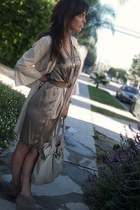beige silk vince dress - ivory linen lace free people jacket - gold thrifted vin