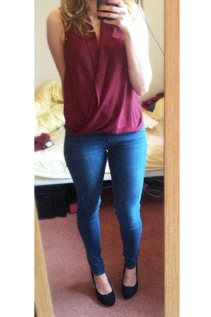 navy new look jeans - maroon new look top - black heels heels