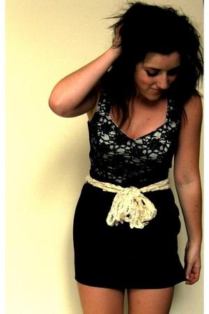 black supre skirt - beige Sportsgirl scarf - black vintage top