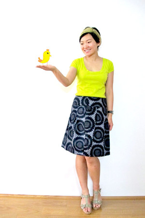 lime green knit Zara top - heather gray H&M skirt