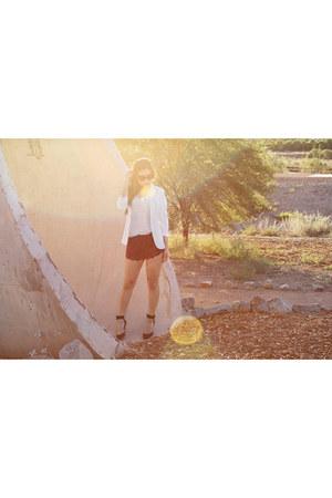 white Topshop blazer - striped v neck Express t-shirt - sam edelman pumps