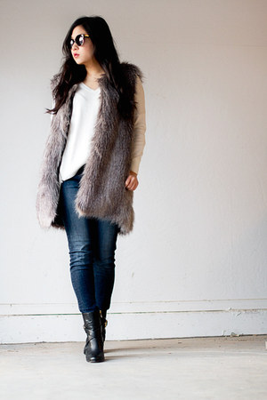 heather gray faux fur ann taylor vest - black Vince Camuto boots