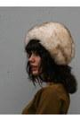 Ivory-tuscan-lamb-fur-vintage-hat
