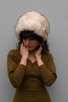 Ivory-tuscan-lamb-fur-vintage-hat