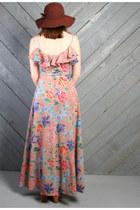 Nude Vintage Dresses
