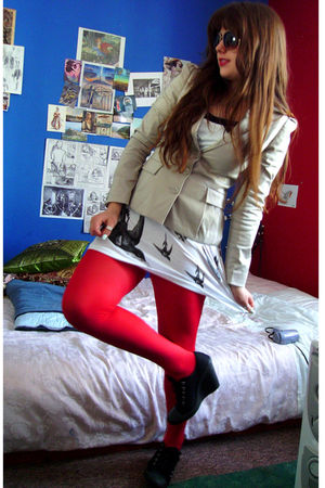 red River Island tights - beige H&M jacket - white Radiobot vest - black new loo