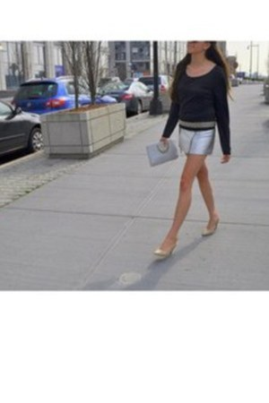 leather skirts vintage skirt - nude vintage shoes - black danskin t-shirt