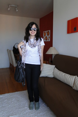 oxford Renner shoes - Zara jeans - moms closet scarf - Zara bag - Siberian t-shi