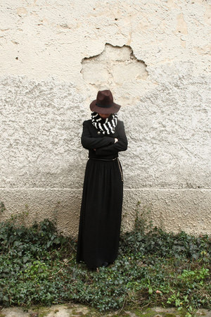 vintage hat - scarf - long loafers