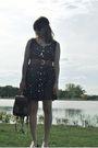 Black-vintage-dress-beige-liz-claiborne-purse-black-oliver-peoples-sunglasse