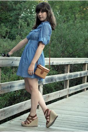 beige straw vintage bag - brown espadrilles Mia shoes