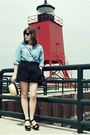 Blue-vintage-shirt-black-vintage-shorts-beige-urban-outfitters-hat-black-c