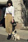 Vintage-blazer-white-vintage-shirt-beige-vintage-pants-black-seychelles-sh
