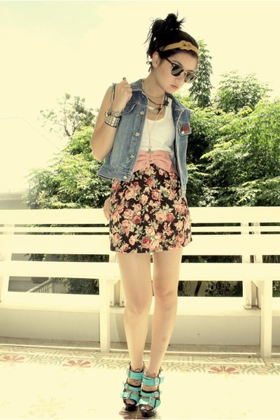 pink skirt - black Lumedisco shoes