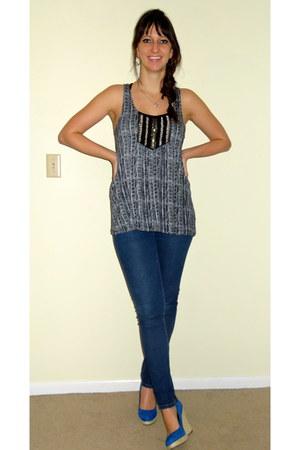 blue espadrille Fergalicious wedges - navy skinny Forever 21 jeans