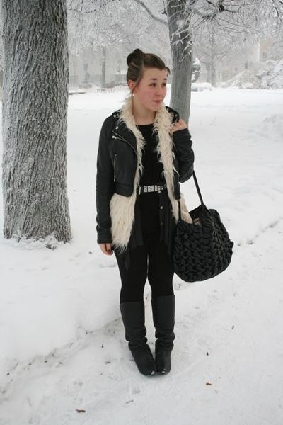 beige Only vest - black Friis&Co purse - black h&m divided jacket