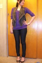 purple basic top - gray f21 vest - black denim pants - Ann Taylor Loft shoes - r