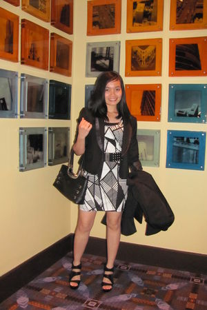 f21 dress - black blazer - Steve Madden shoes