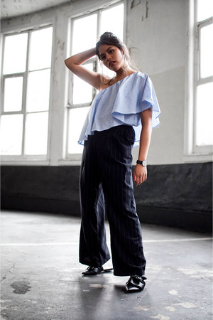 sky blue Forever 21 top - black mules Zara flats - navy Forever 21 pants