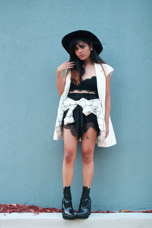 black Jeffrey Campbell boots - black fedora felt Forever 21 hat