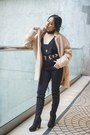 Black-windsor-boots-beige-old-navy-coat-black-forever-21-jeans