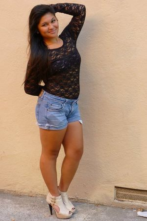 UO Pins and Needles top - BDG bra - Levis shorts - Aldo shoes