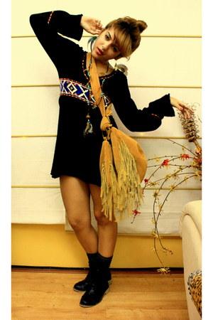 black Marli boots - mustard boutique bag - gray Zara socks - red boutique jumper