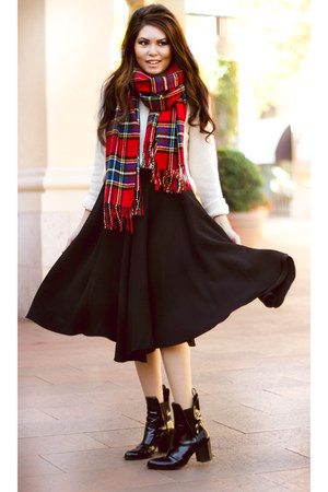 red tartan Yesstyle scarf