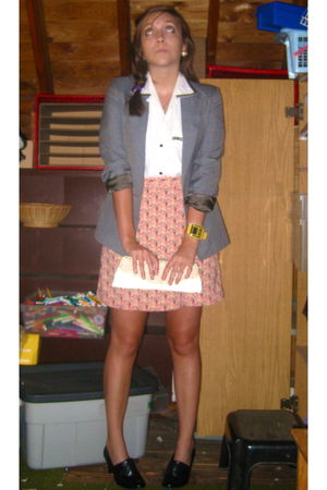 gray Thrift Store blazer - pink Thrift Store skirt - beige Charming Charlies pur