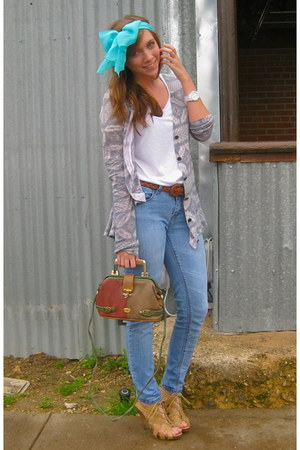 camel Chinese Laundry heels - light blue high waist BDG jeans