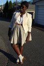 Beige-jacket-white-blouse-beige-joe-fresh-style-skirt-white-aldo-socks-g