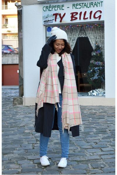 white beanie Zara hat - black trench coat H&M coat