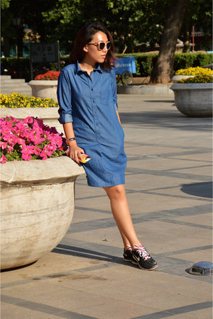 sky blue Uniqlo dress - pink Just jeans sunglasses - black nike sneakers